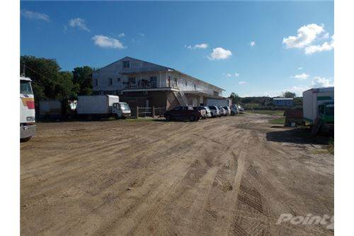 Residencial à venda em # 2626 - 2 WAREHOUSE + ACCOMMODATION + 2.9 ACRES O, Belize City, Belize   , Belize