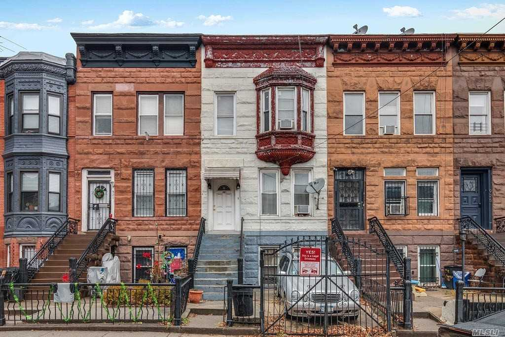 Residencial à venda em 921A Jefferson Ave, Brooklyn, NY ,11221  , EUA