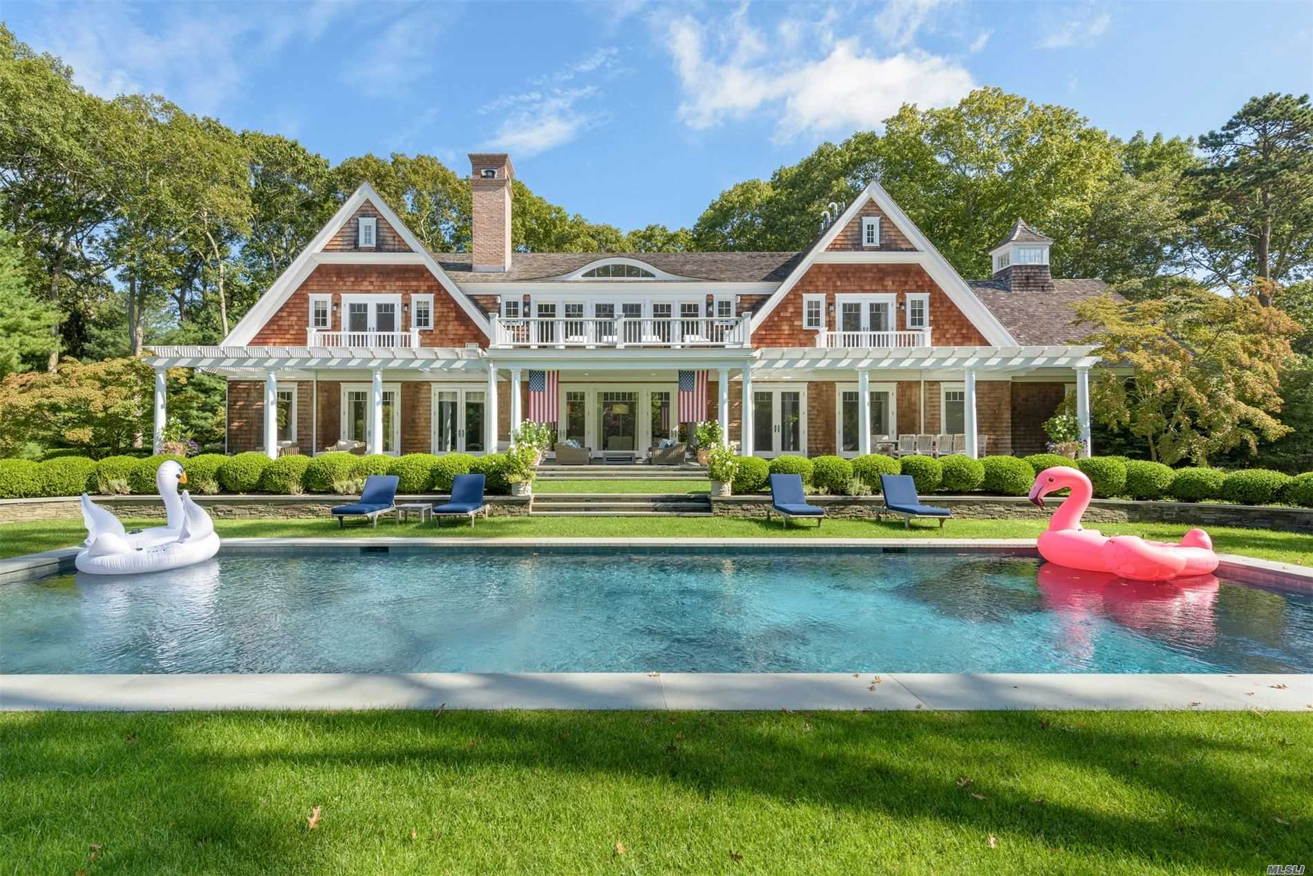 Residencial à venda em 10 Jones Cove Rd, East Hampton, NY ,11937  , EUA