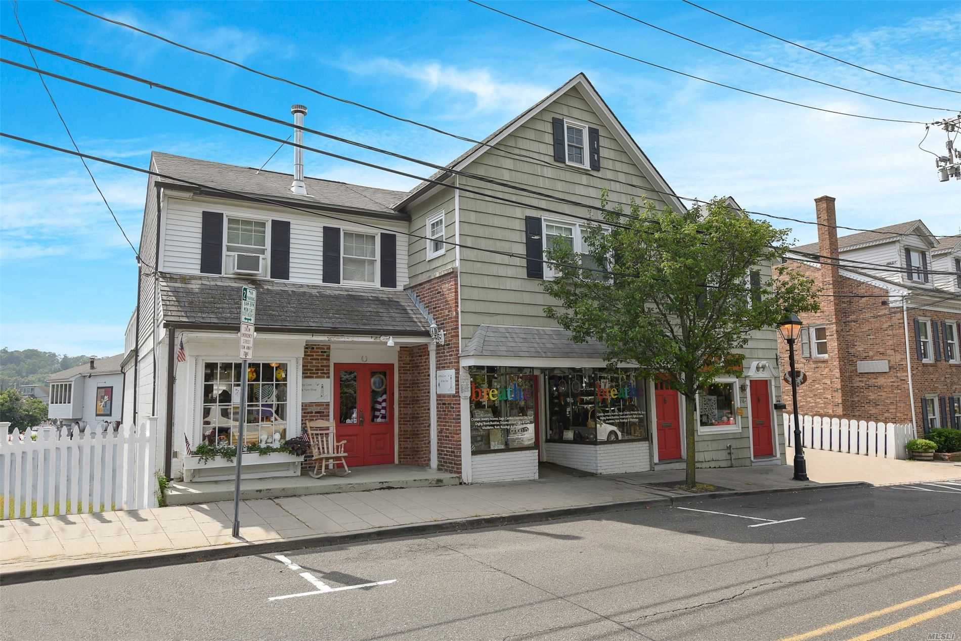 Comercial à venda em 116 Main E St, Port Jefferson, NY ,11777  , EUA