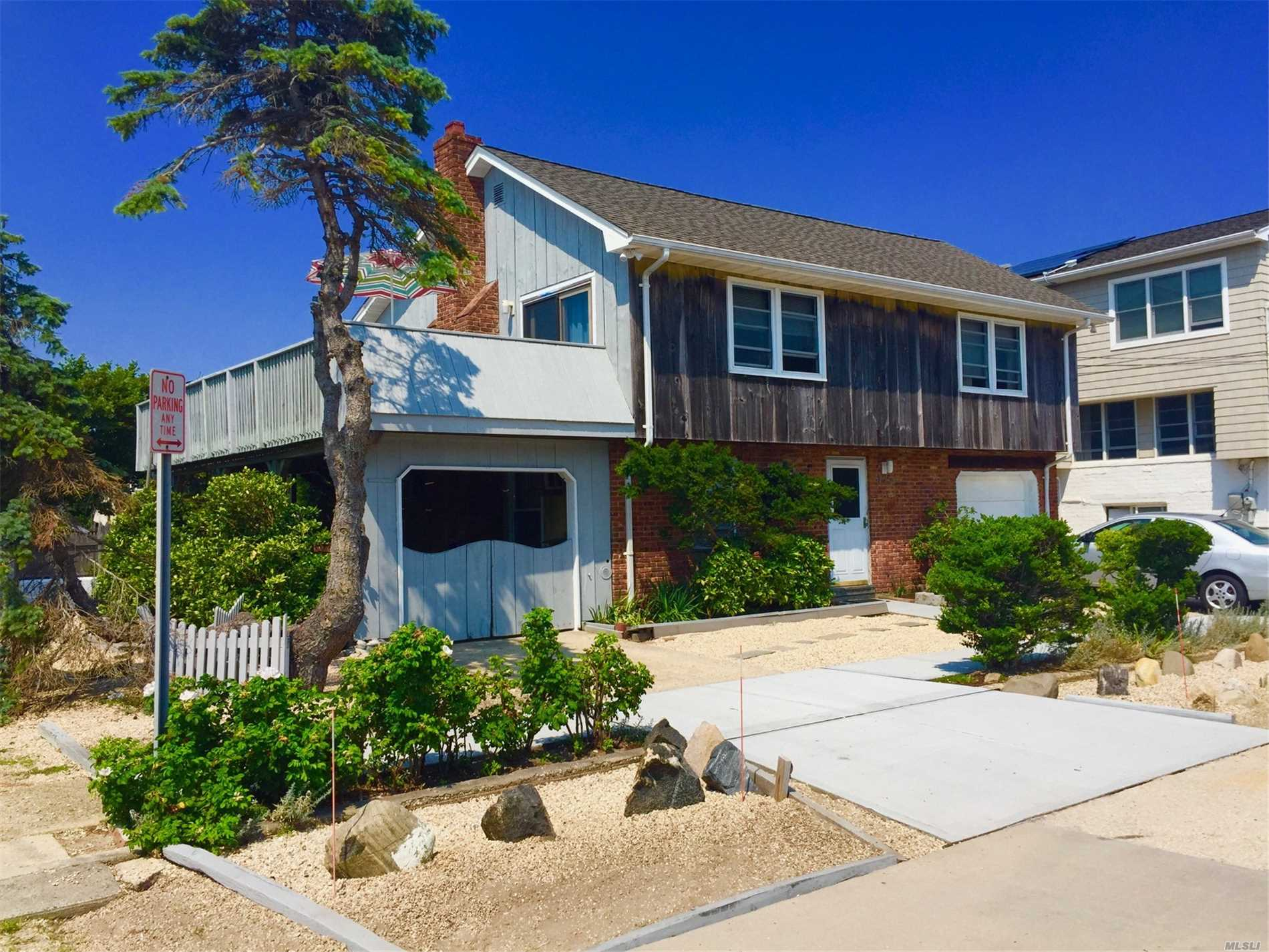Residencial para alugar em 145 Inwood Ave, Point Lookout, NY ,11569  , EUA