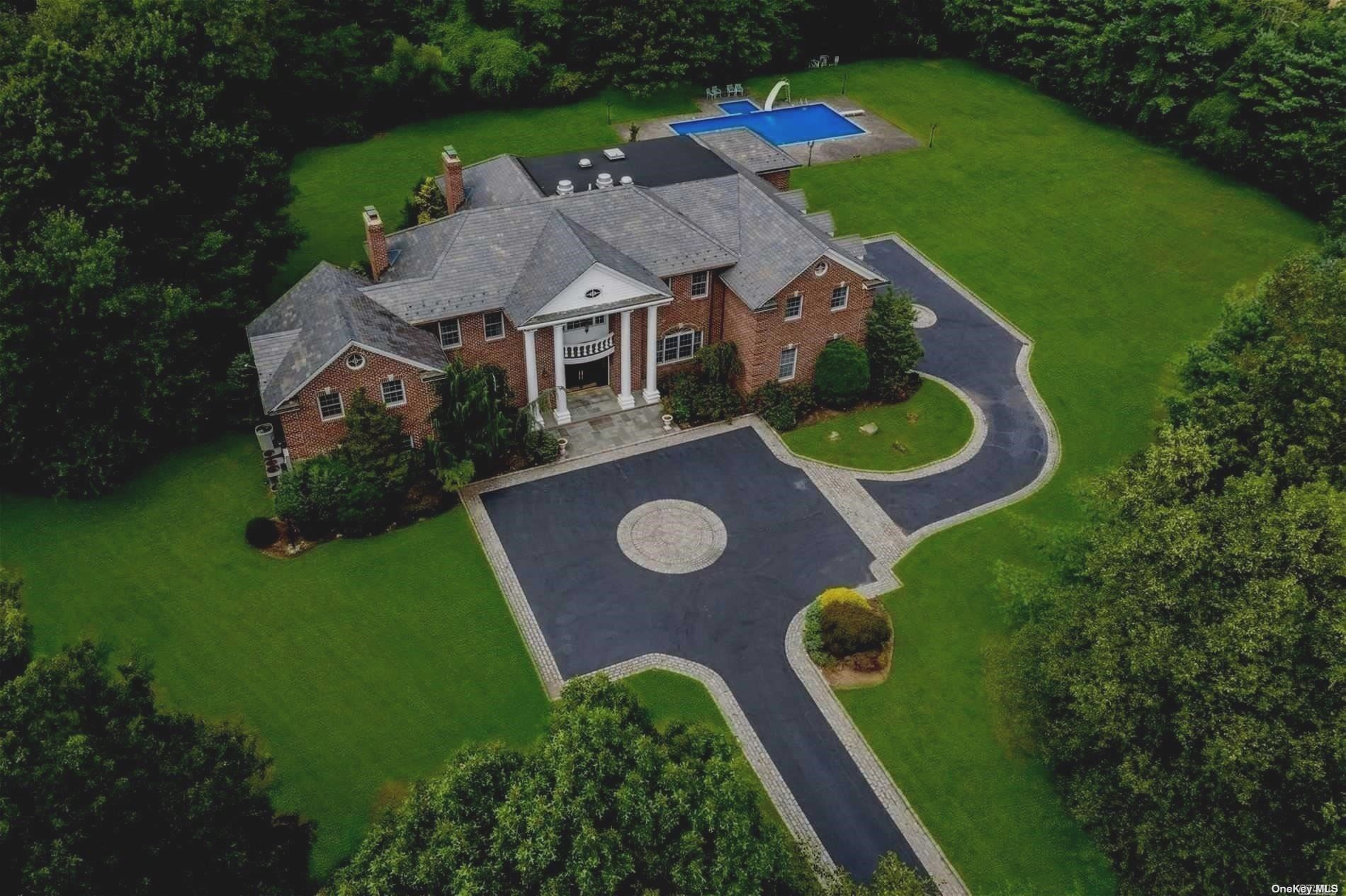 Residencial à venda em 9 Windsor Dr, Muttontown, NY ,11753  , EUA
