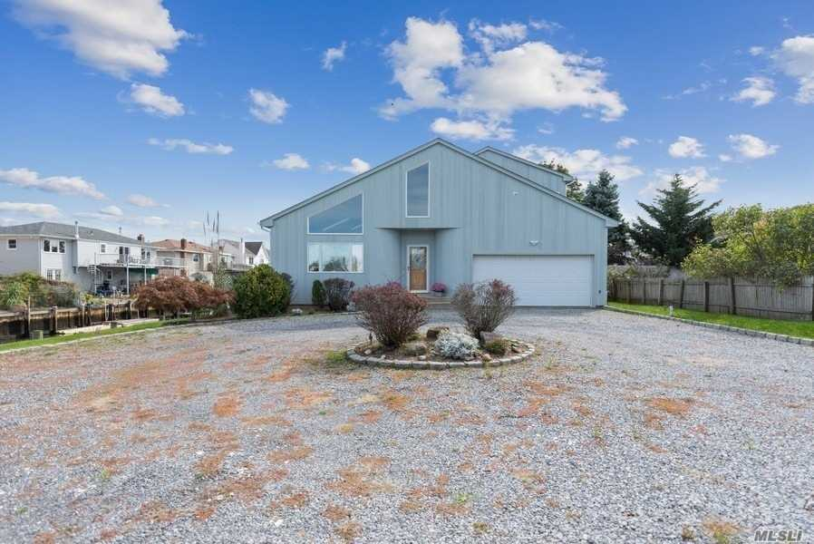 Residencial à venda em 3405 Harbor Point Rd, Baldwin Harbor, NY ,11510  , EUA