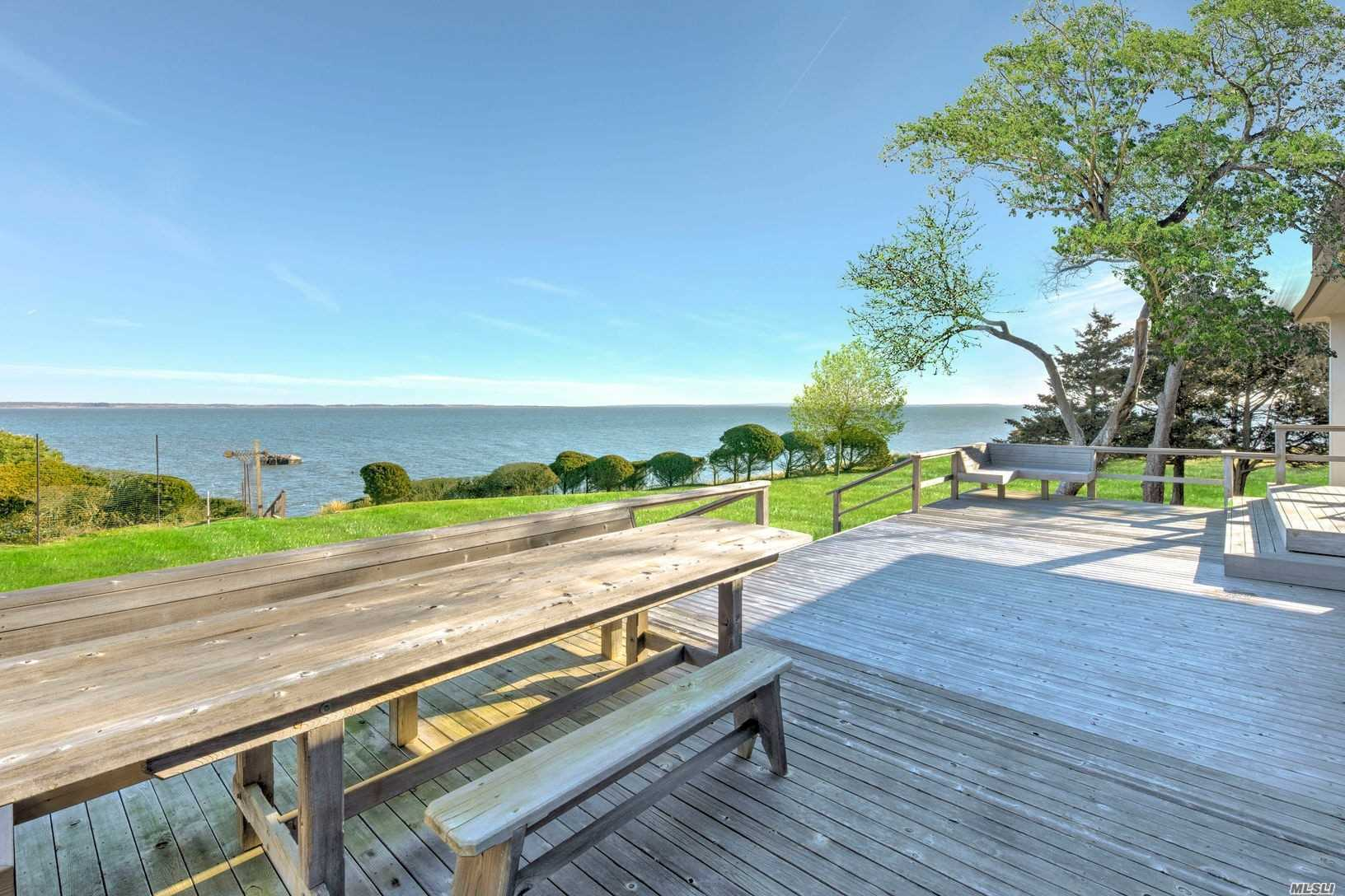 Residencial à venda em 213 Kings Point Rd, East Hampton, NY ,11937  , EUA