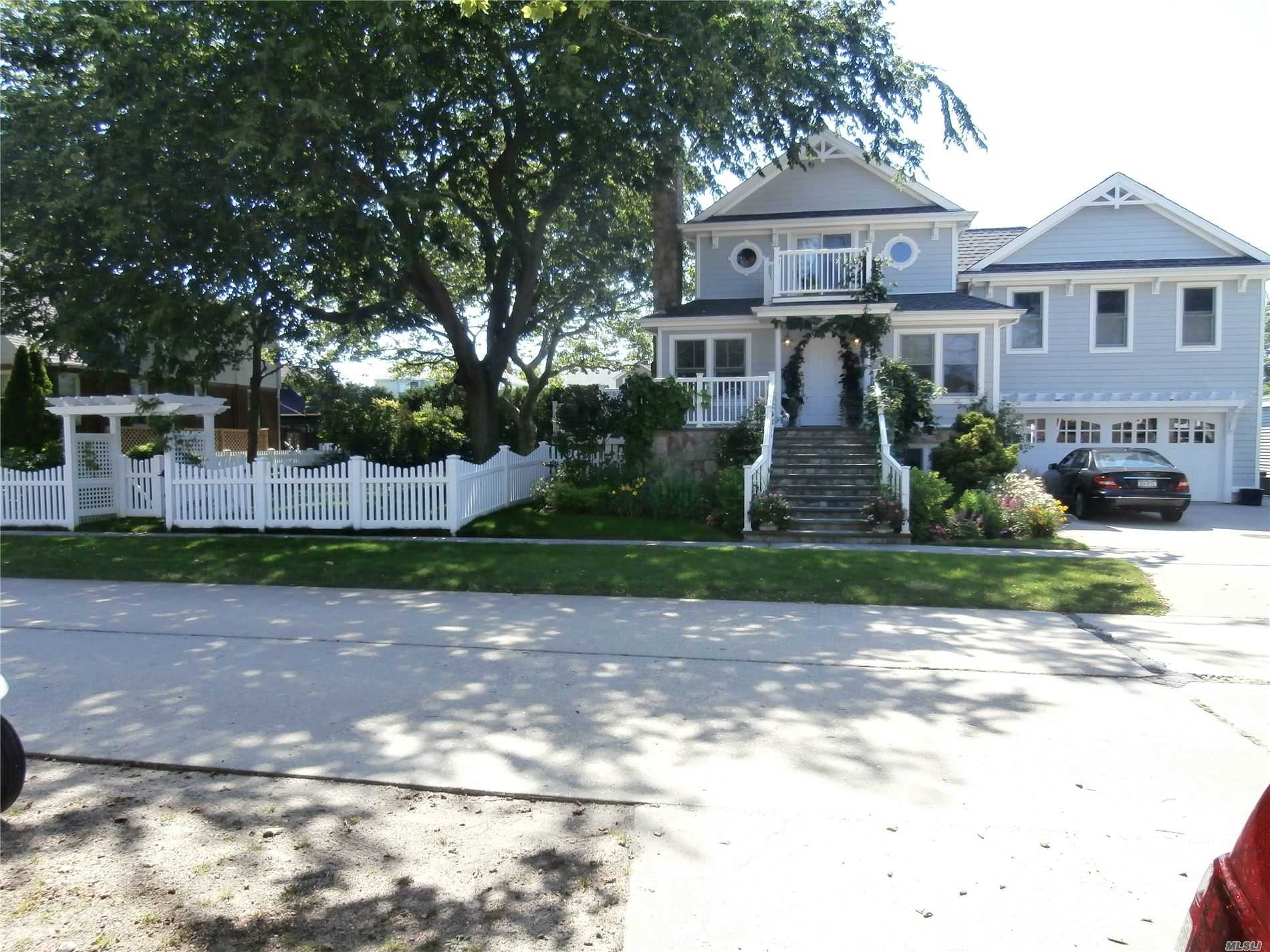 Residencial à venda em 77 Lynbrook Ave, Point Lookout, NY ,11569  , EUA