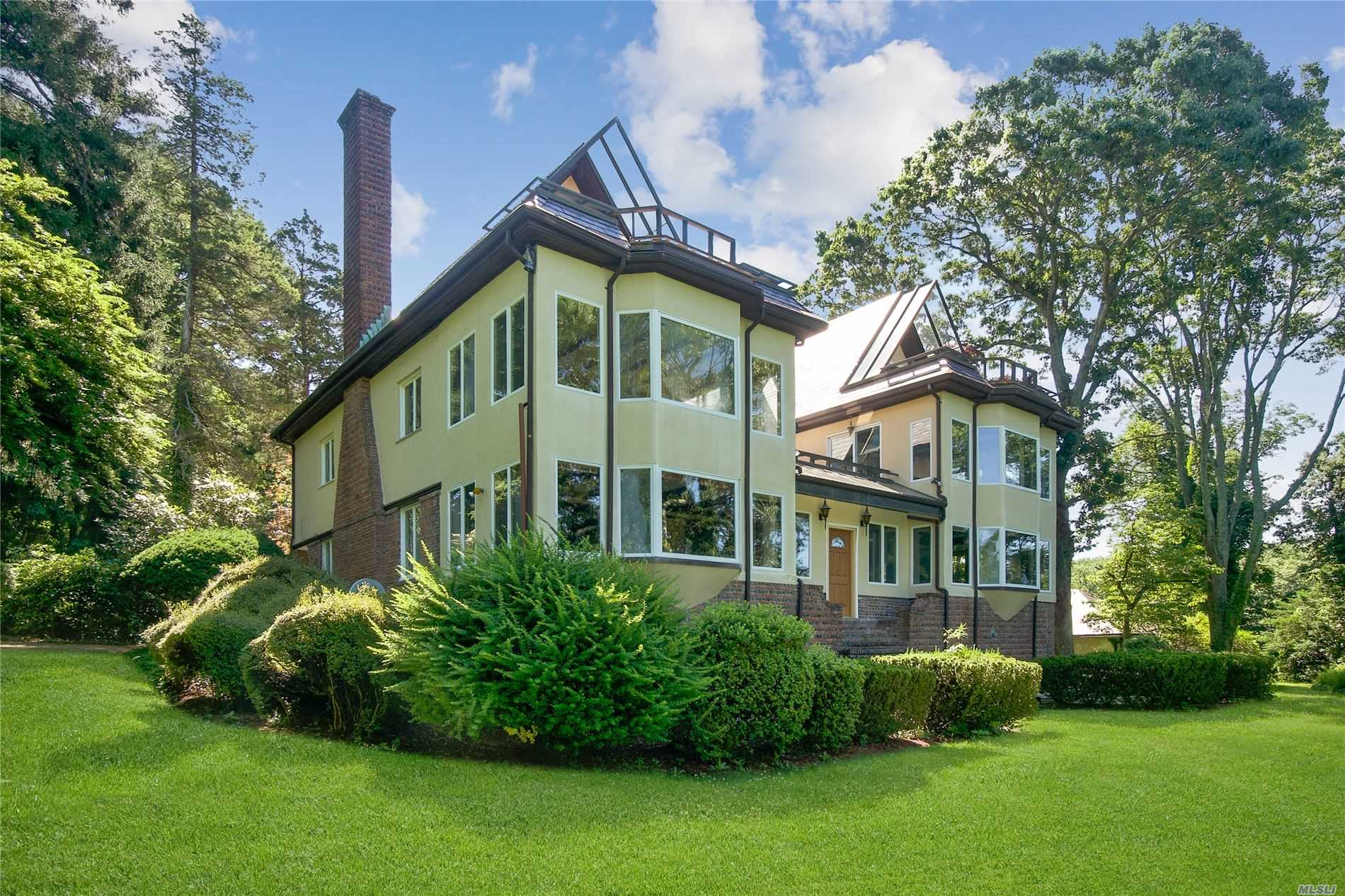 Residencial à venda em 32 Lower Devon Rd, Port Jefferson, NY ,11777  , EUA