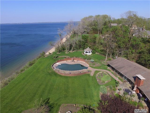 Residencial à venda em 12 Richard Path, Nissequogue, NY ,11780  , EUA