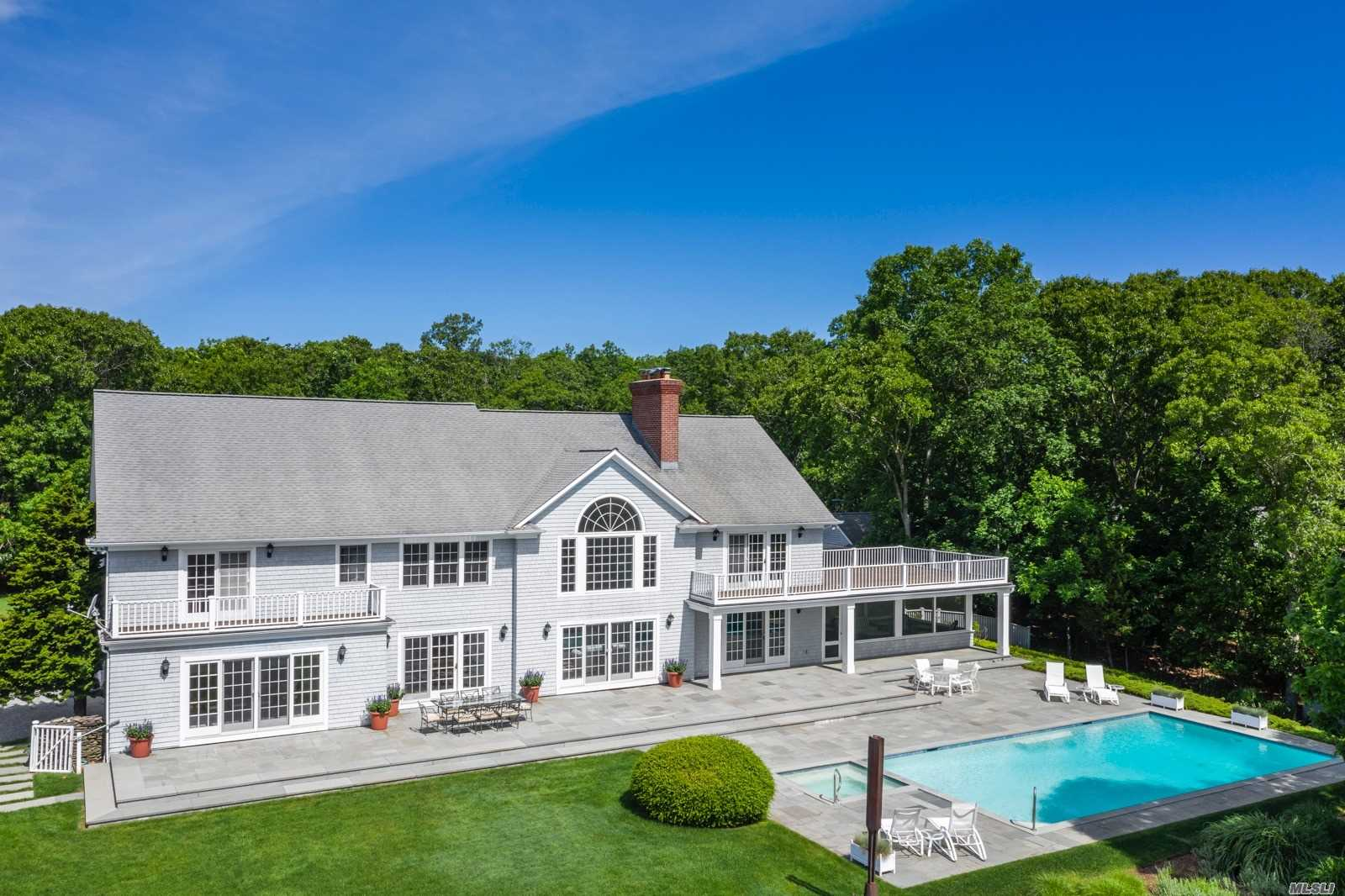 Residencial à venda em 70, 72, 74 3 Mile Harbor Dr, East Hampton, NY ,11937  , EUA