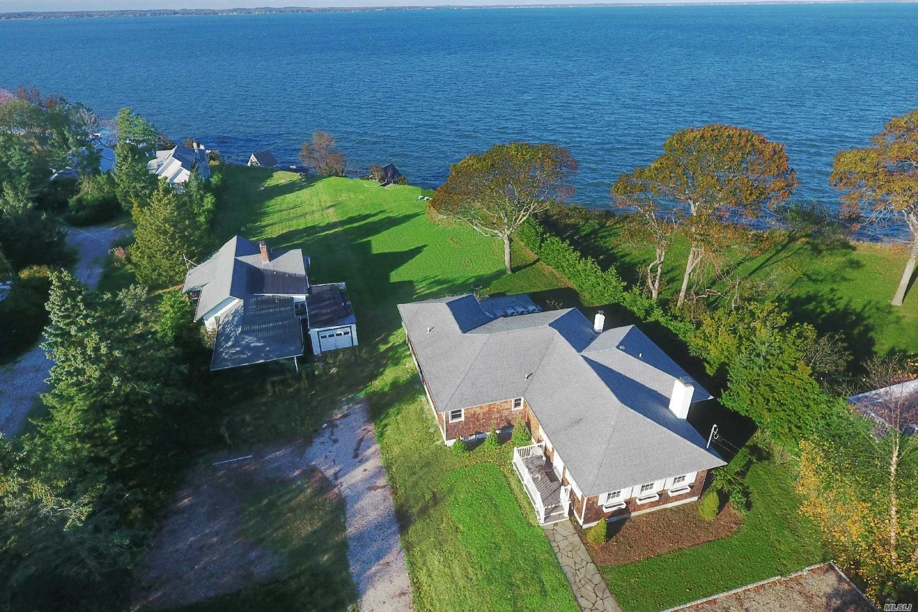 Residencial à venda em 98 Red Creek Rd, Hampton Bays, NY ,11946  , EUA