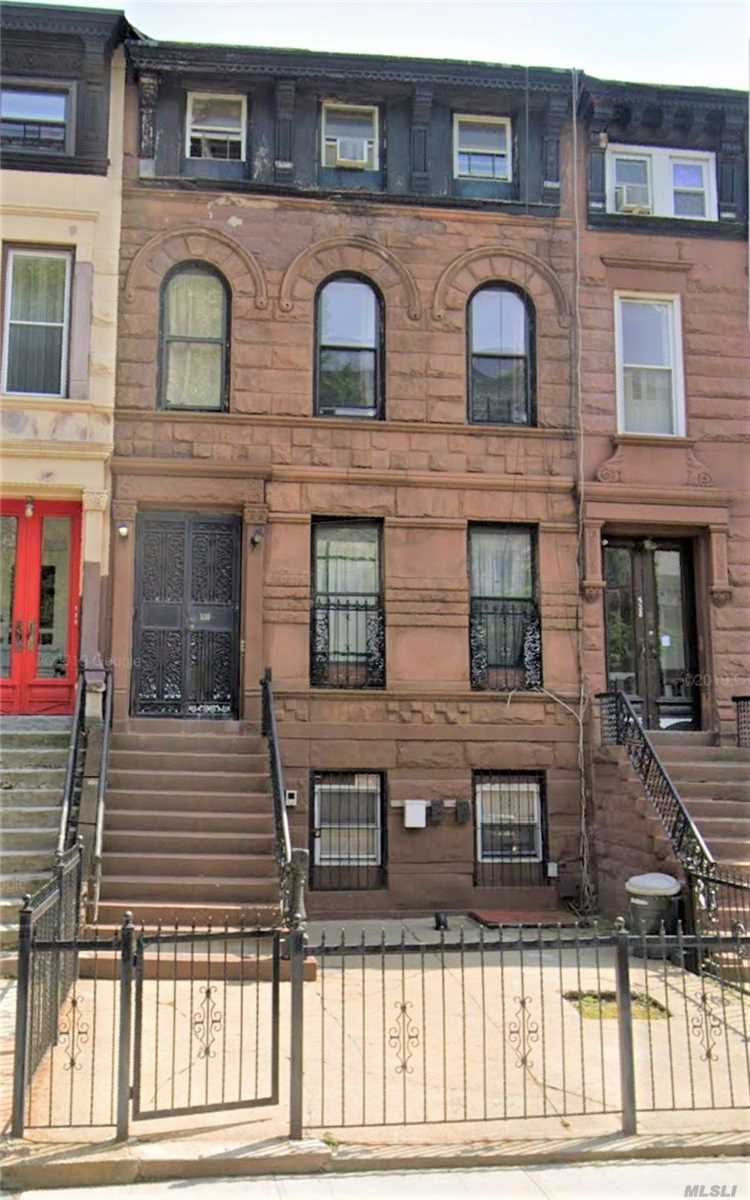 Residencial à venda em 530 Jefferson Ave, Brooklyn, NY ,11221  , EUA