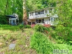 Residencial à venda em 117 Kings Point Rd, Great Neck, NY ,11024  , EUA