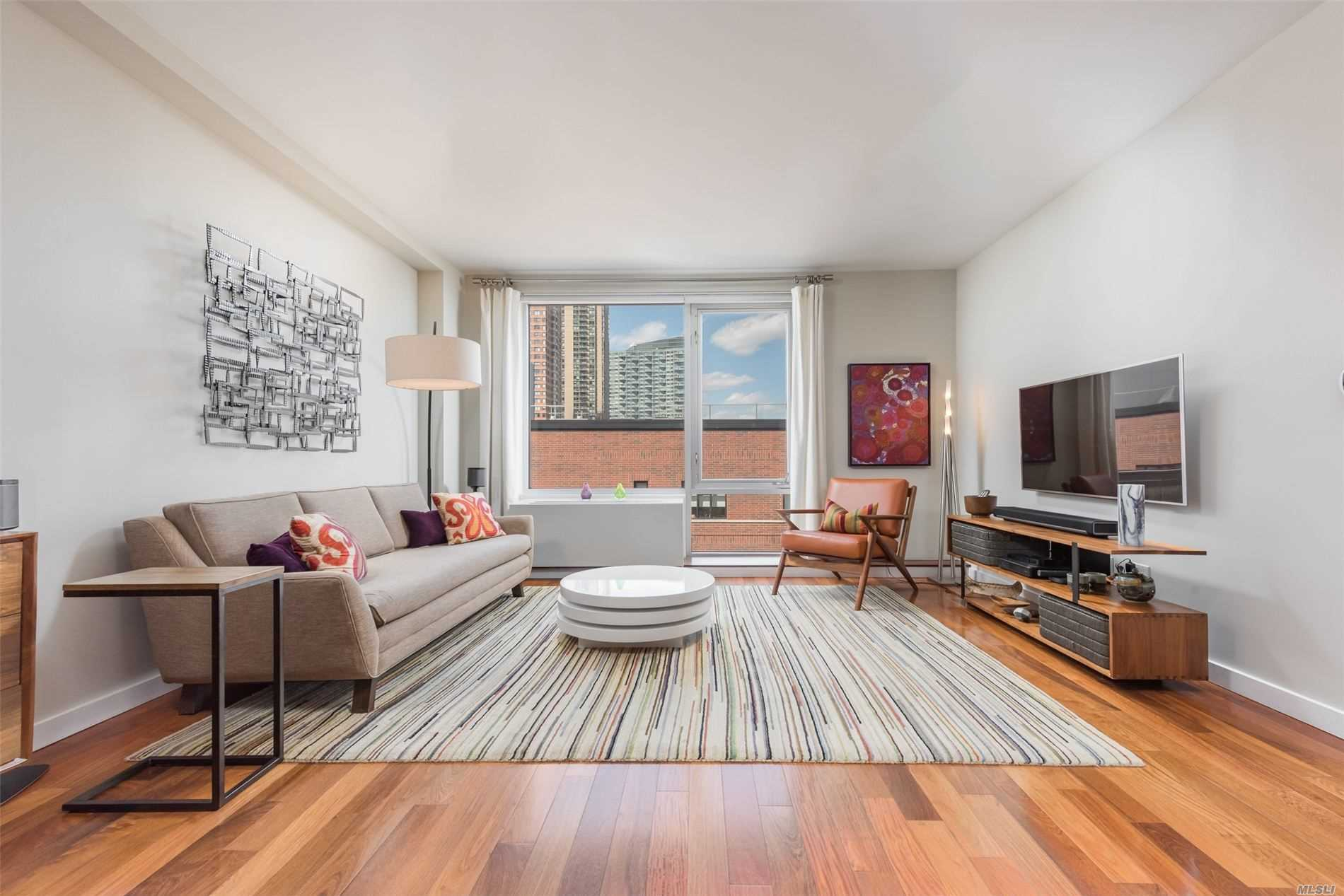 Apartamento à venda em 2-40 51 Avenue, Long Island City, NY ,11101  , EUA